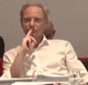 Baubürgermeister Langensteiner-Schönborn während der Gemeinderatssitzung