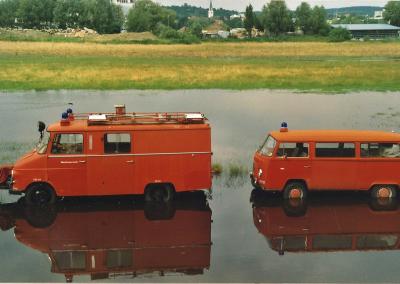 Hochwasser Rettungsfahrzeuge