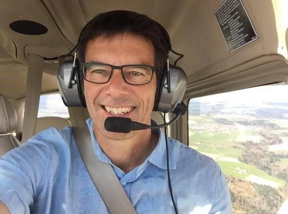 Prof. Wikelski in der Cessna
