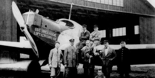 Junkers F13 der österreichischen Luftverkehrs AG am Flugplatz Konstanz